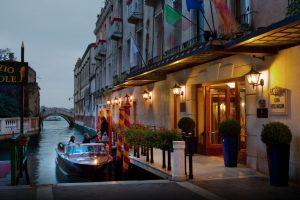 Concorso-Baglioni-Hotels-whyiloveflorence-Venezia-ingresso-Luna-hotel-Baglioni
